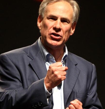 Texas Attorney General Greg Abbott accepting bitcoin donations for governor run
